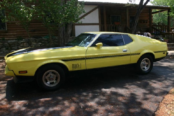 1971 Yellow Ford Mustang Mach 1